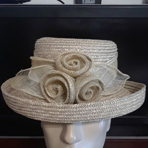 Betmar new York woman straw sun brim derby hat